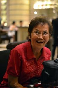 姓名: 杨彤欣 J2C 敘述:《开怀大笑的奶奶》:笑,是人类最有感染力的情绪。