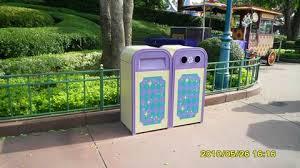 迪士尼乐园的垃圾桶